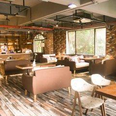 Отель James Joyce Coffetel (guangzhou exhibition center branch) Гуанчжоу гостиничный бар