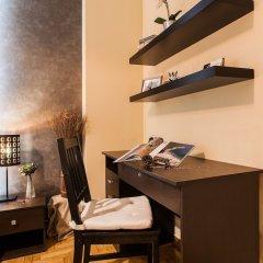 Апартаменты Beautiful Safe Apartment Near Centre сейф в номере