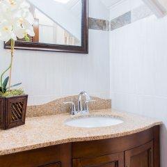 Отель Eight 24 by Pro Homes Jamaica Ямайка, Кингстон - отзывы, цены и фото номеров - забронировать отель Eight 24 by Pro Homes Jamaica онлайн ванная фото 2