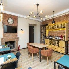 Отель H'otello Грузия, Тбилиси - отзывы, цены и фото номеров - забронировать отель H'otello онлайн гостиничный бар