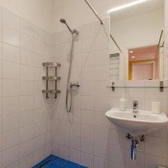 Отель Dice Apartments Венгрия, Будапешт - отзывы, цены и фото номеров - забронировать отель Dice Apartments онлайн ванная