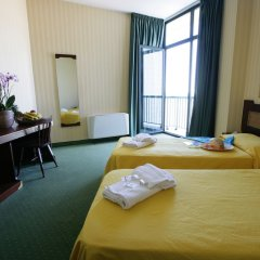 Отель Club Esse Mediterraneo Италия, Монтезильвано - отзывы, цены и фото номеров - забронировать отель Club Esse Mediterraneo онлайн комната для гостей фото 4