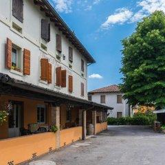 Отель Ristorante Albergo Al Donatore Палаццоло-делло-Стелла парковка