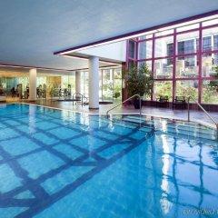 Отель Sheraton Vancouver Wall Centre Канада, Ванкувер - отзывы, цены и фото номеров - забронировать отель Sheraton Vancouver Wall Centre онлайн бассейн