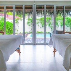Отель Holiday Inn Resort Kandooma Maldives