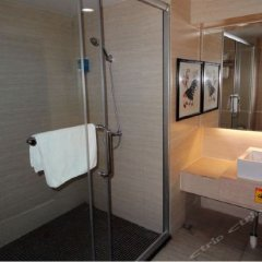 China's Emerging Business Hotel ванная