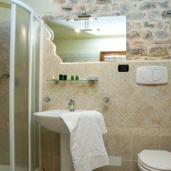 Hotel Charleston Сполето ванная