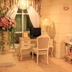 Апартаменты Romance Serviced Apartment Бангкок интерьер отеля