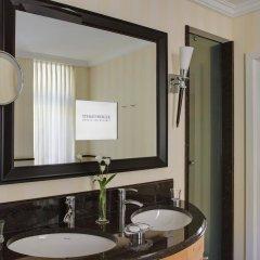 Отель Steigenberger Grandhotel Belvedere Швейцария, Давос - 1 отзыв об отеле, цены и фото номеров - забронировать отель Steigenberger Grandhotel Belvedere онлайн ванная фото 2
