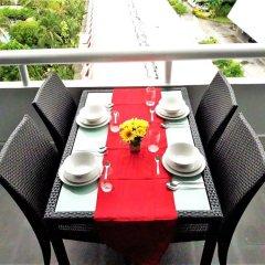 Отель Patong Tower 2.3 Patong Beach by PHR Таиланд, Патонг - отзывы, цены и фото номеров - забронировать отель Patong Tower 2.3 Patong Beach by PHR онлайн балкон