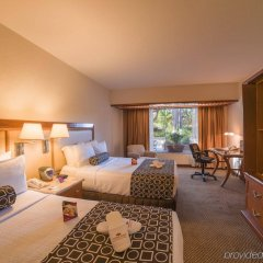Отель Holiday Inn Guadalajara Expo комната для гостей фото 4