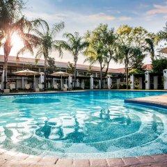 AVANI Gaborone Hotel & Casino Габороне бассейн