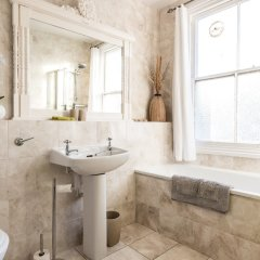 Отель Spacious Property in North Laines Брайтон ванная фото 2