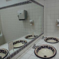 Отель Hostal de Maria Мексика, Гвадалахара - отзывы, цены и фото номеров - забронировать отель Hostal de Maria онлайн ванная