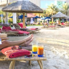 Отель Beach Rotana Residences пляж