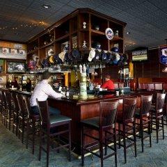 Отель Holiday Inn LaGuardia Airport США, Нью-Йорк - отзывы, цены и фото номеров - забронировать отель Holiday Inn LaGuardia Airport онлайн гостиничный бар