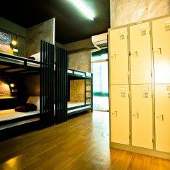 Sleepcafe Hostel Паттайя сейф в номере