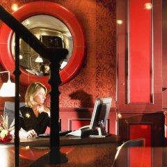 Отель Hôtel des Académies et des Arts гостиничный бар