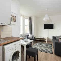 Апартаменты Cosy 1BD Apartment in West Didsbury комната для гостей фото 2
