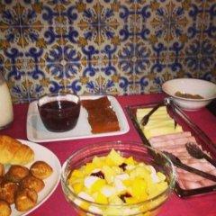 Отель V Dinastia Lisbon Guesthouse Португалия, Лиссабон - 1 отзыв об отеле, цены и фото номеров - забронировать отель V Dinastia Lisbon Guesthouse онлайн питание фото 2