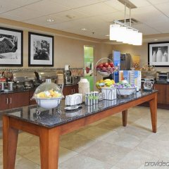 Отель Hampton Inn & Suites Columbus-Easton Area питание фото 3