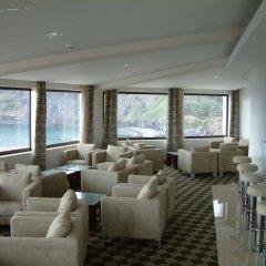 Отель Caloura Hotel Resort Португалия, Агуа-де-Пау - 3 отзыва об отеле, цены и фото номеров - забронировать отель Caloura Hotel Resort онлайн интерьер отеля