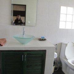 Апартаменты Rouge Service Apartments Паттайя ванная фото 2