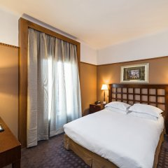 Отель Best Western Hôtel Mercedes Arc de Triomphe комната для гостей