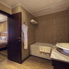 Отель Шера Парк Инн Алматы ванная фото 2