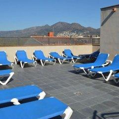 Отель Ciutadella Испания, Курорт Росес - 1 отзыв об отеле, цены и фото номеров - забронировать отель Ciutadella онлайн бассейн фото 2
