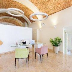 Отель Martinhal Lisbon Chiado Family Suites бассейн