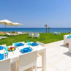 Отель Villa Mermaid Кипр, Протарас - отзывы, цены и фото номеров - забронировать отель Villa Mermaid онлайн пляж