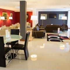 Отель Château La Roca гостиничный бар