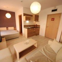 Отель Menada Rainbow Apartments Болгария, Солнечный берег - отзывы, цены и фото номеров - забронировать отель Menada Rainbow Apartments онлайн комната для гостей фото 12