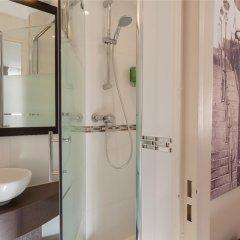 The Originals Hotel Paris Montmartre Apolonia (ex Comfort Lamarck) ванная фото 2