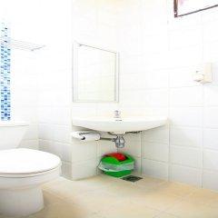 Отель OYO 335 Top Inn Khaosan Таиланд, Бангкок - отзывы, цены и фото номеров - забронировать отель OYO 335 Top Inn Khaosan онлайн ванная