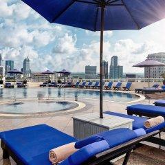 Отель Sofitel Saigon Plaza Вьетнам, Хошимин - отзывы, цены и фото номеров - забронировать отель Sofitel Saigon Plaza онлайн бассейн
