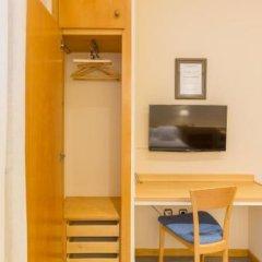 Отель Apartamentos DV Испания, Барселона - отзывы, цены и фото номеров - забронировать отель Apartamentos DV онлайн удобства в номере