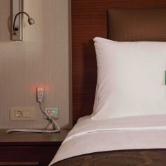 Отель Holiday Inn Gebze - Istanbul Asia Гебзе сейф в номере