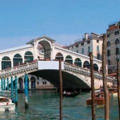 Отель Ca' Rialto House Италия, Венеция - 2 отзыва об отеле, цены и фото номеров - забронировать отель Ca' Rialto House онлайн приотельная территория фото 2