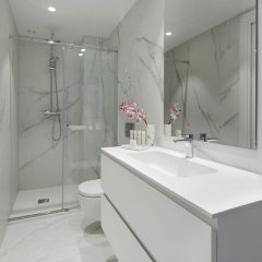 Апартаменты La Concha Attic Apartment by FeelFree Rentals ванная