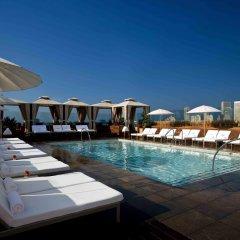 Отель SIXTY Beverly Hills бассейн