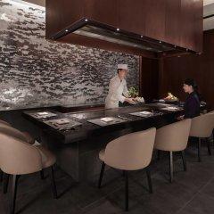 Отель JW Marriott Hotel Seoul Южная Корея, Сеул - 1 отзыв об отеле, цены и фото номеров - забронировать отель JW Marriott Hotel Seoul онлайн удобства в номере фото 2