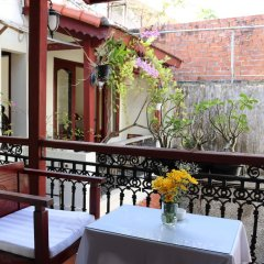 Отель Nhi Trung Hotel Вьетнам, Хойан - отзывы, цены и фото номеров - забронировать отель Nhi Trung Hotel онлайн балкон