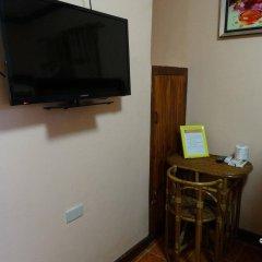 Отель Corazon Tourist Inn Филиппины, Пуэрто-Принцеса - отзывы, цены и фото номеров - забронировать отель Corazon Tourist Inn онлайн удобства в номере фото 2