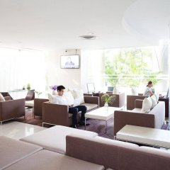 Отель Viva Garden Managed By Bliston Бангкок интерьер отеля фото 3