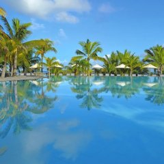 Отель Victoria Beachcomber Resort & Spa бассейн фото 3