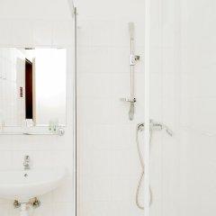 Отель Stary Pivovar Чехия, Прага - 11 отзывов об отеле, цены и фото номеров - забронировать отель Stary Pivovar онлайн ванная фото 2