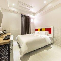 Hotel The Blue Cheonho сейф в номере