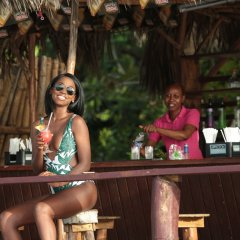 Отель Kaz Kreol Beach Lodge & Wellness Retreat гостиничный бар